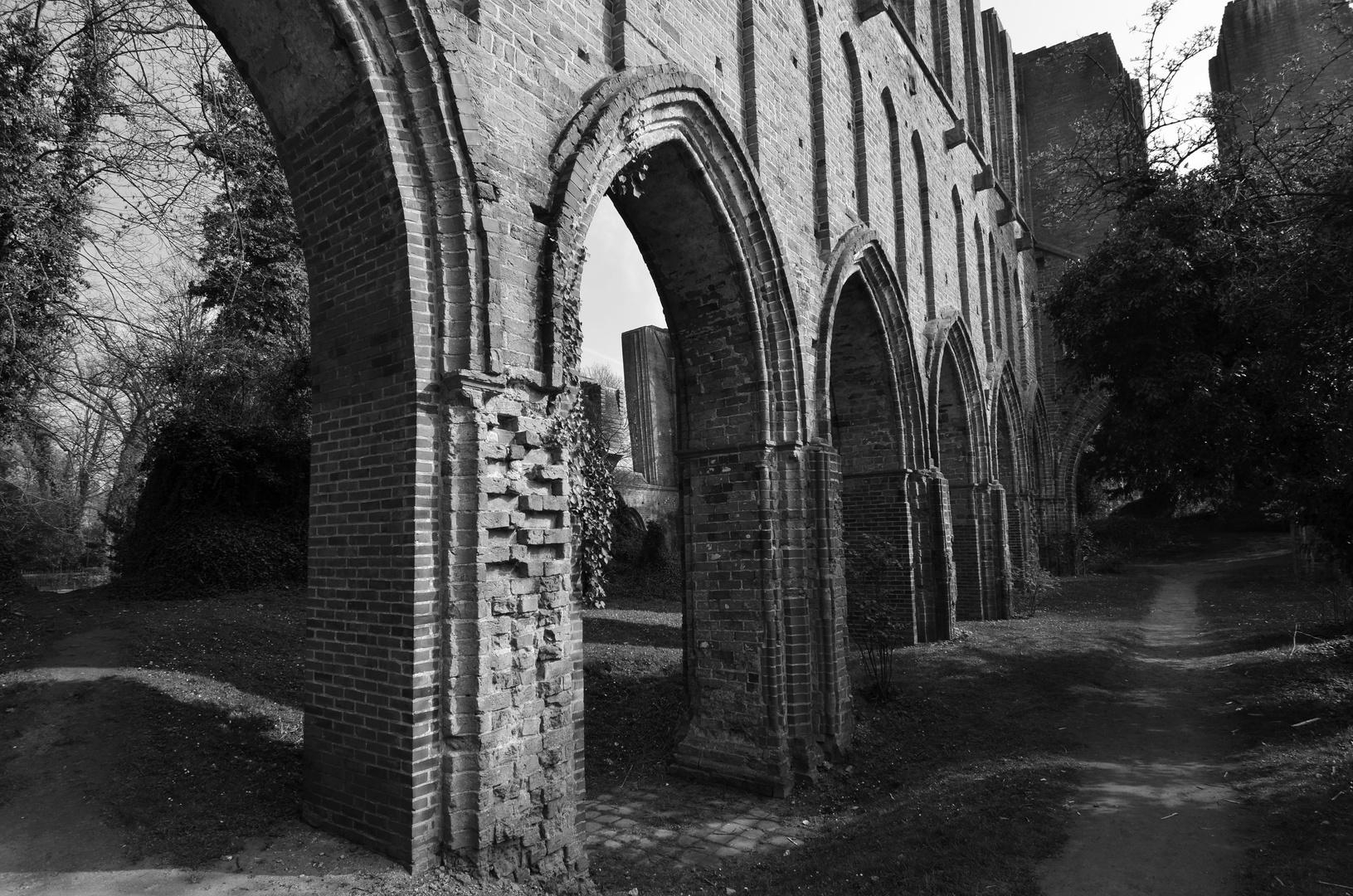 Kloster Ruine 1SW