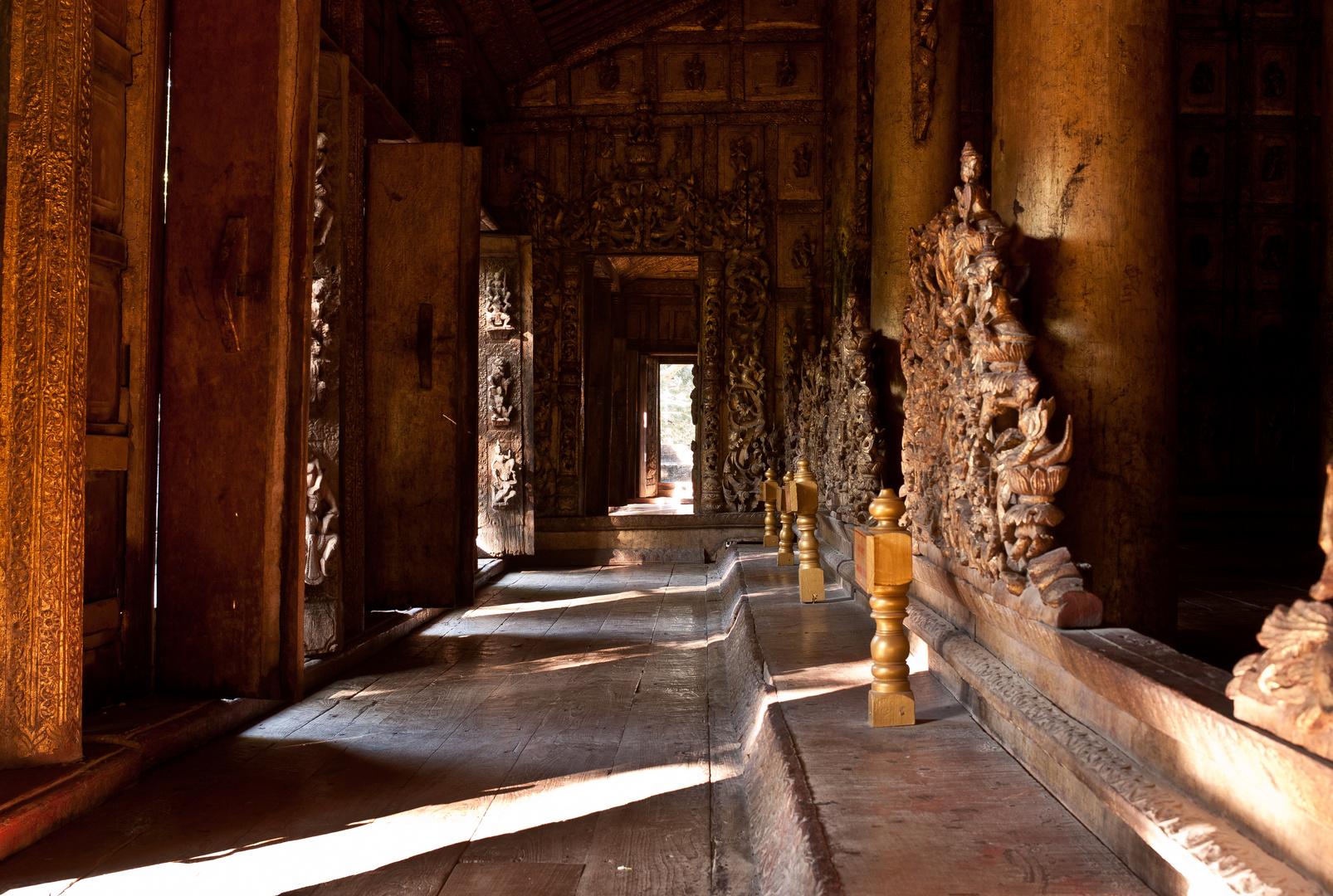 Kloster Shwe In Bin Kyaung Innenansicht