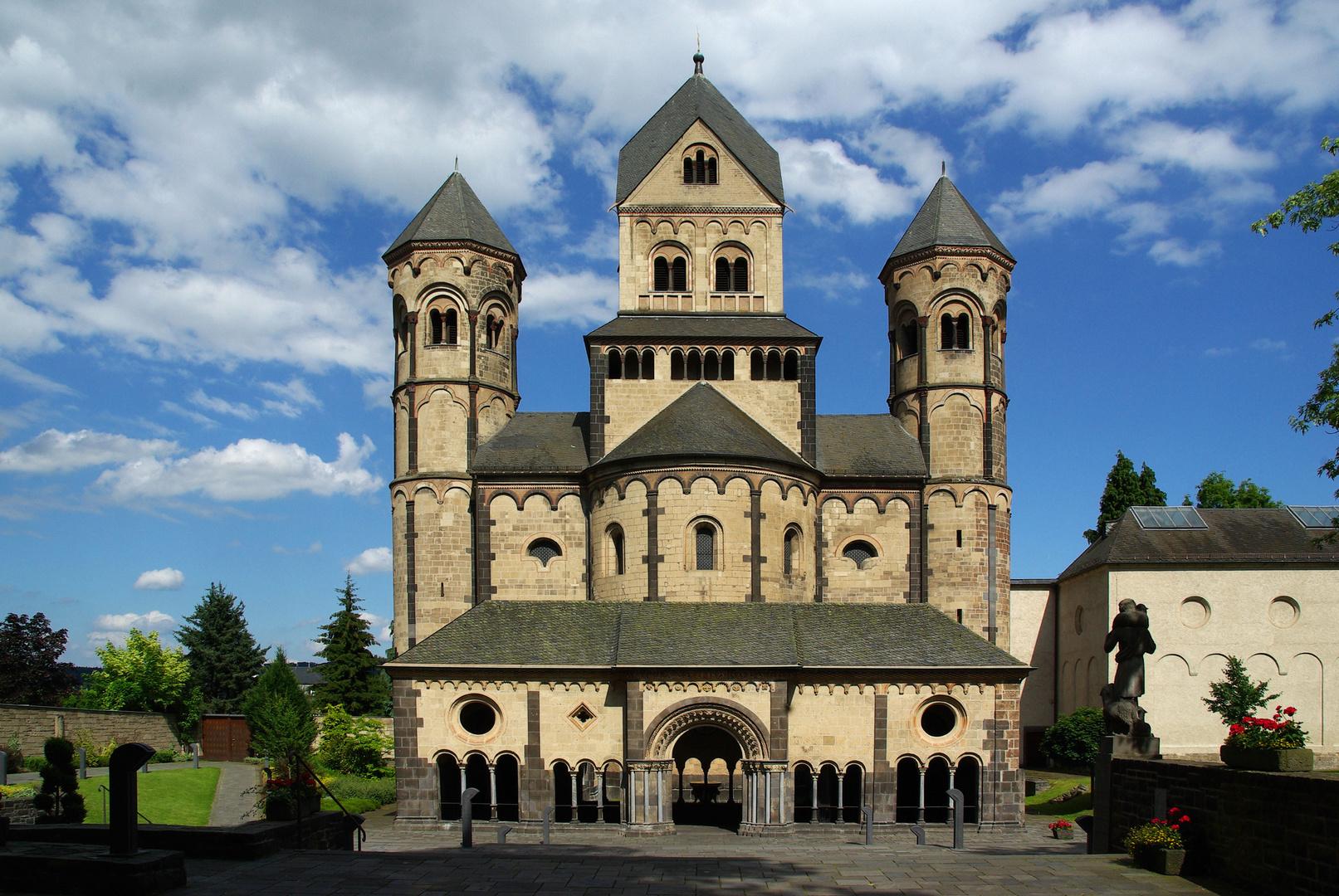 Klosterkirche Maria Laach am Laacher See / E i f e l