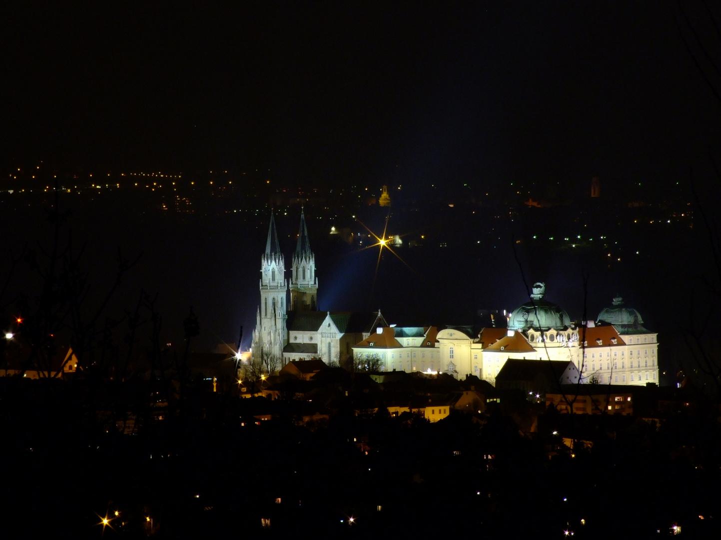 Klosterneuburg bei Nacht