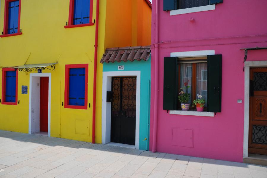 Knallbunte Häuser auf Burano