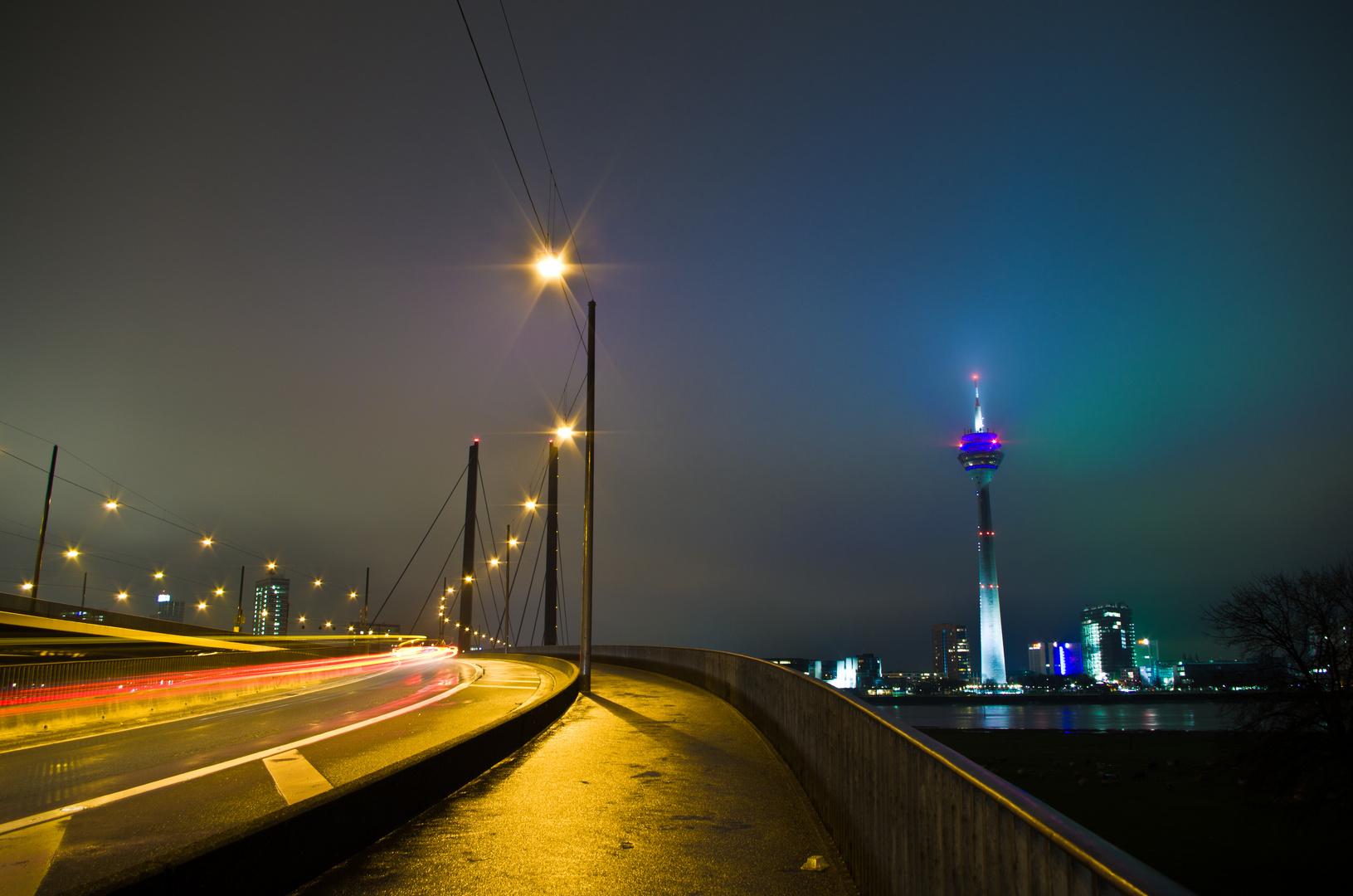 Kniebrücke Düsseldorf