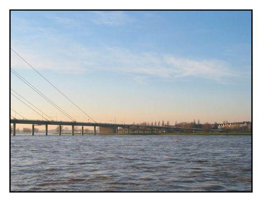 Kniebrücke in Düsseldorf (D00004)