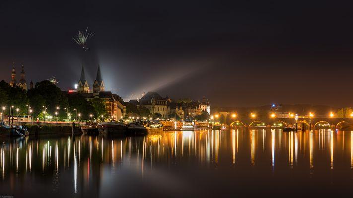 *Koblenz bei Nacht*