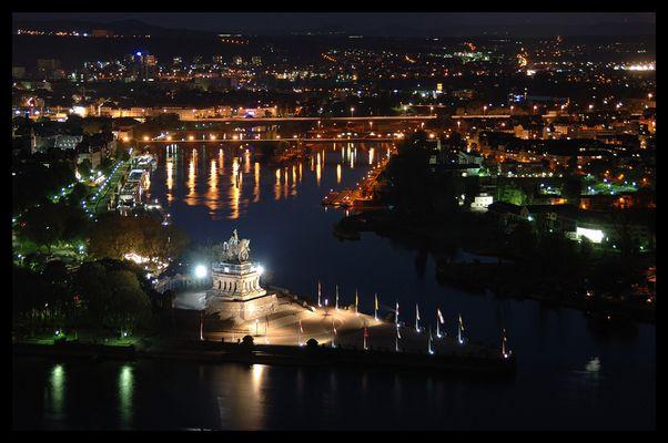 Koblenz bei Nacht - Das Deutsche Eck