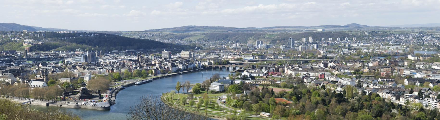 Koblenz Panorama vom Aussichtsbauwerk auf dem Festungsplateau
