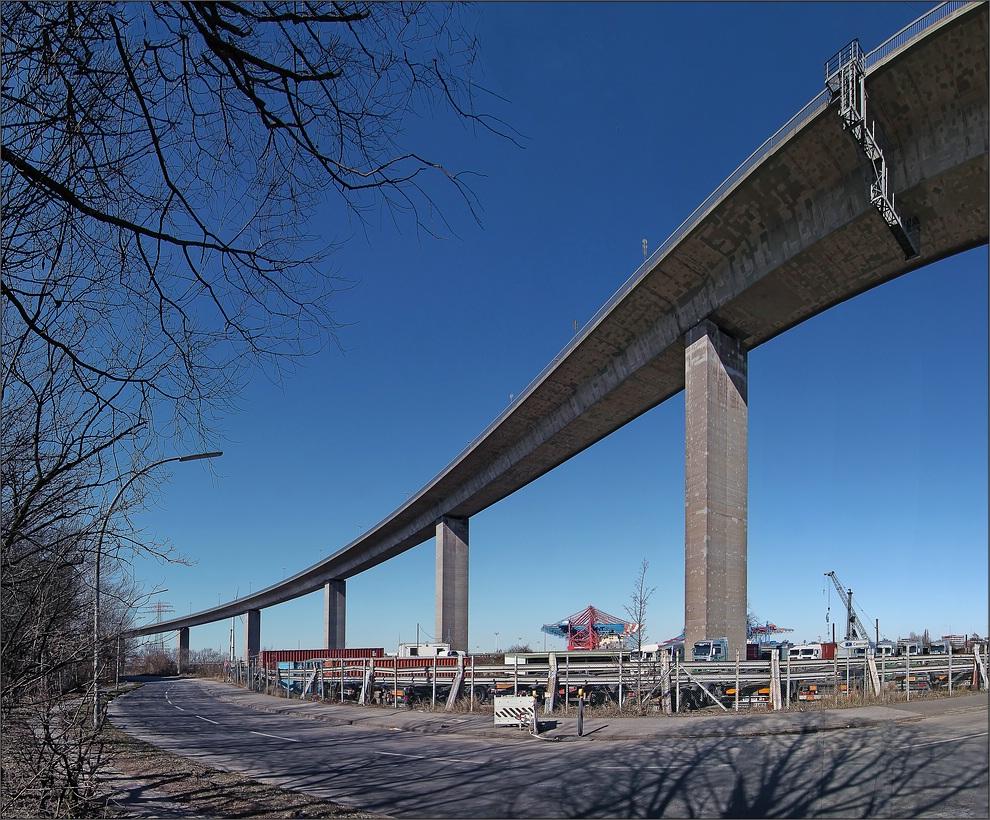 * Köhlbrandbrücke **