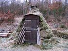 Köhlerhütte im historischen Hauberg bei Offdilln