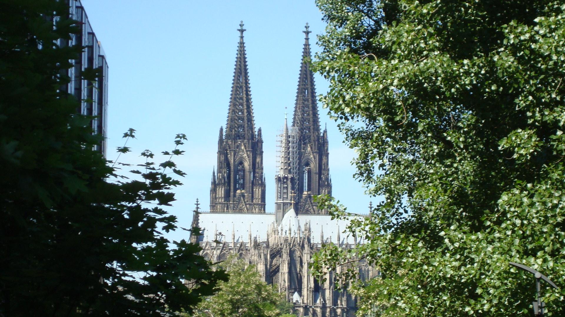 Köln......*