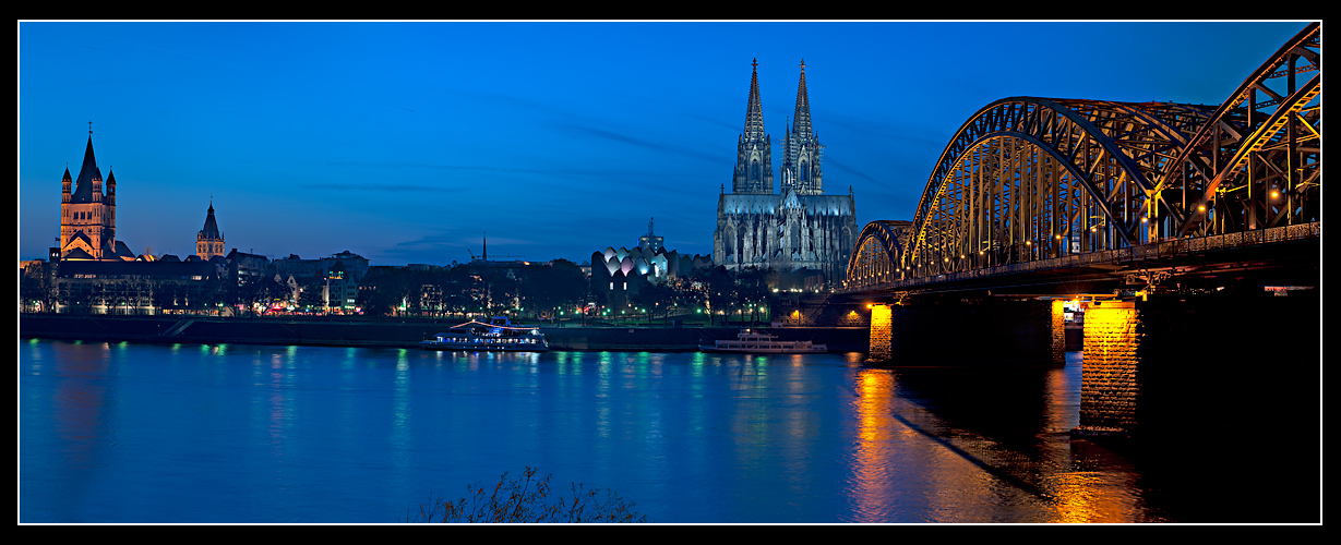 Köln at Night