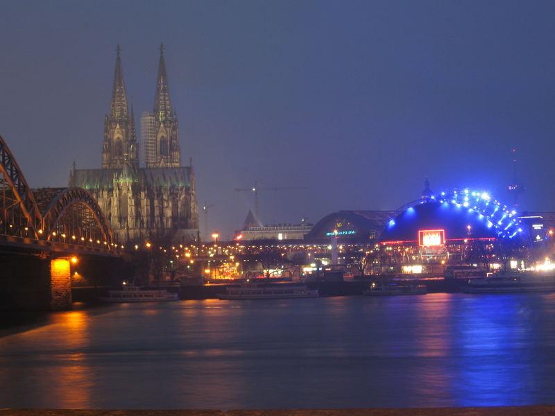 Köln bei Abend