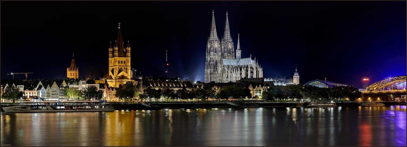 Köln - Groß St. Martin mit dem Dom