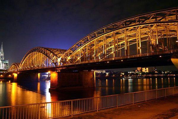 Köln- Hohenzollernbrück und Dom