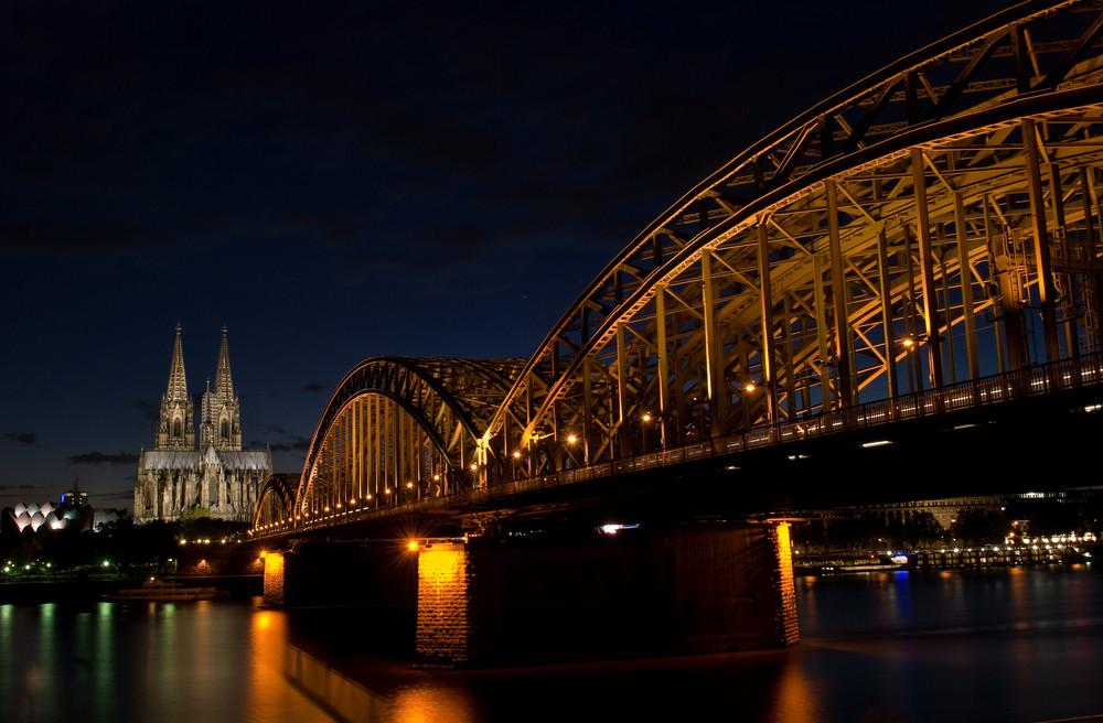 Köln - Hohenzollernbrücke - Dom