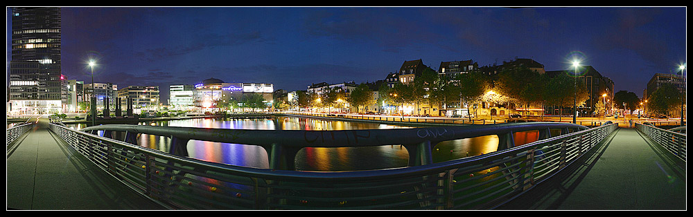 Köln Mediapark @night