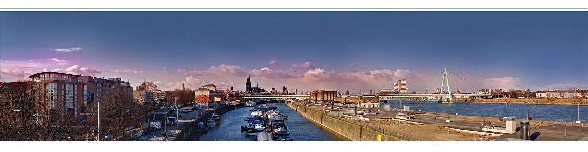 Köln Panorama - Aussichtsplattform am Rheinauhafen