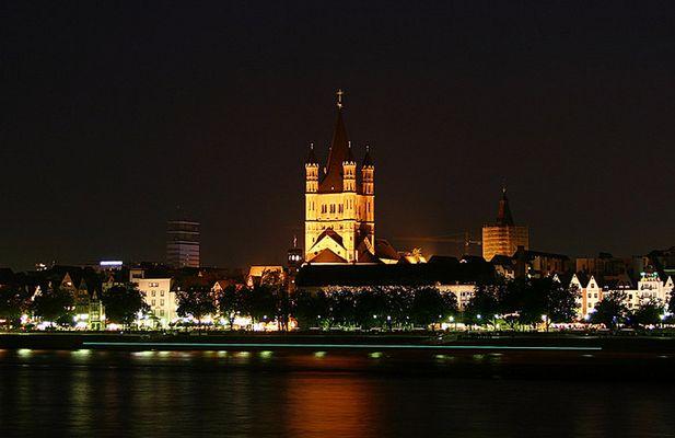 Köln St. Martin bei Nacht