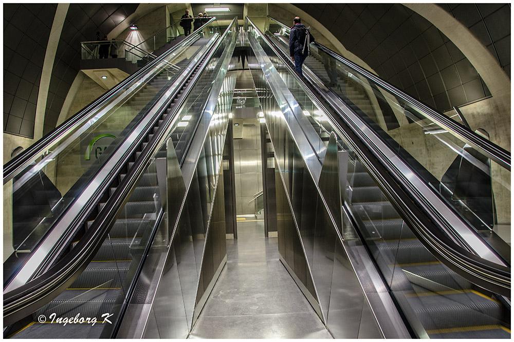 Köln - U-Bahn am Heumarkt - Rolltreppe nach oben