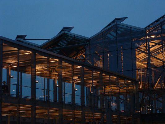 Köln/Bonn Airport, Brücke zw. Terminal 1 & 2