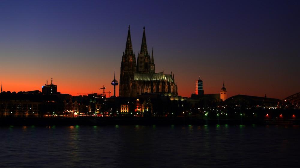 Kölner Dom bei Nacht - HDR