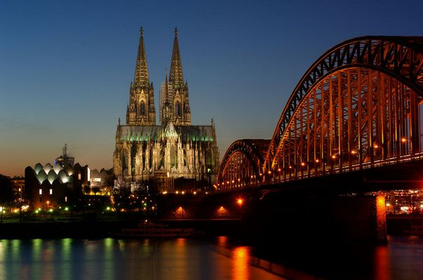 Kölner Dom bei Nacht - immer wieder gerne fotografiert