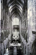 Kölner Dom, Mittelschiff vom Triforium aus fotografiert (1986)