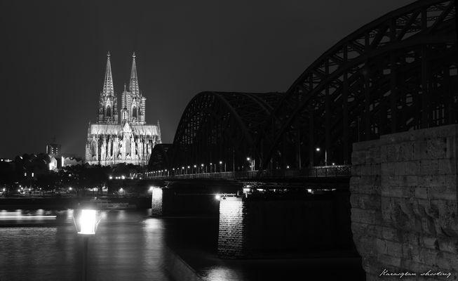 Kölner Dom und die Eisenbrücke