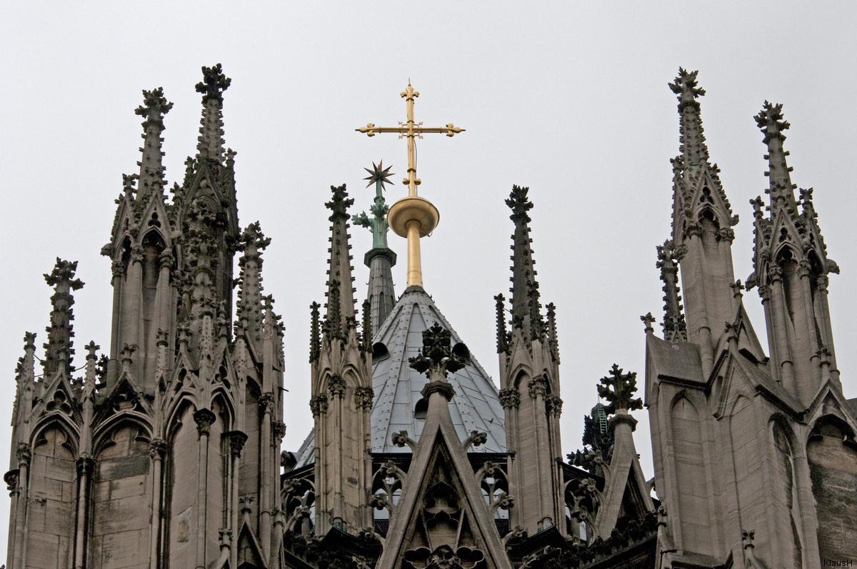 Kölner Dom - viele kleine Türmchen