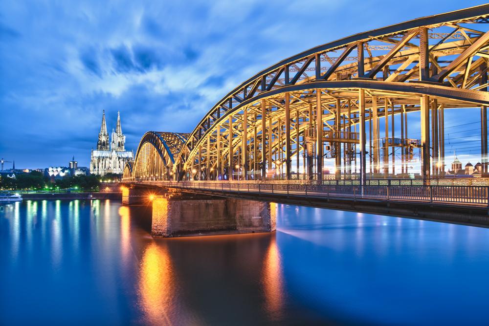 Kölner Dom/Hohenzollernbrücke (HDR)