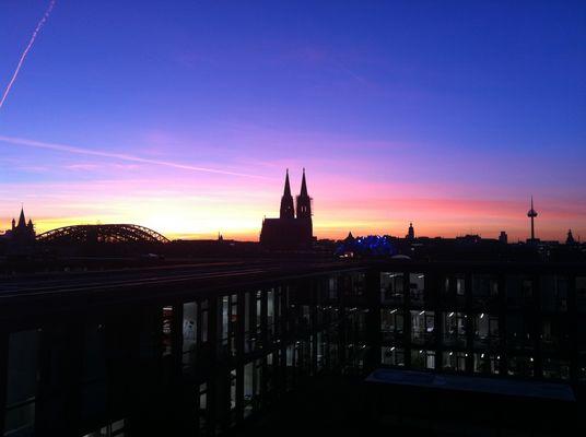 Kölner Feierabendstimmung im Frühjahr
