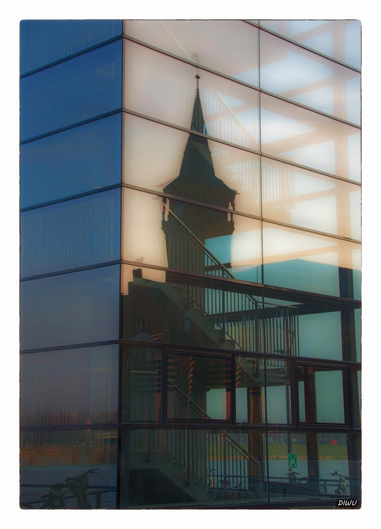 Kölner Kranhäuser - Spiegelung