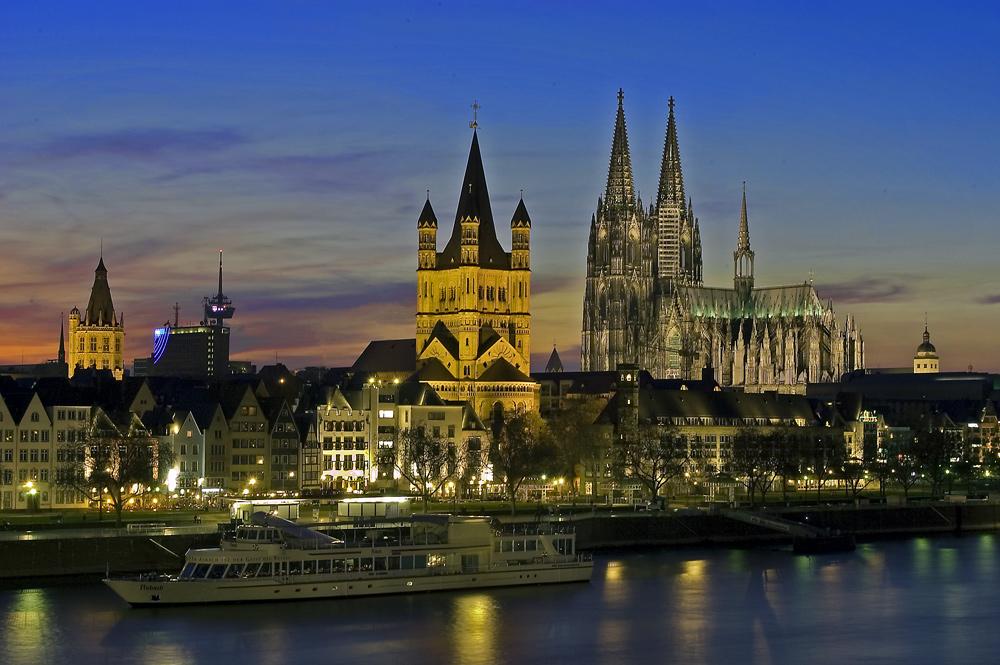 Rheinpromenade Köln