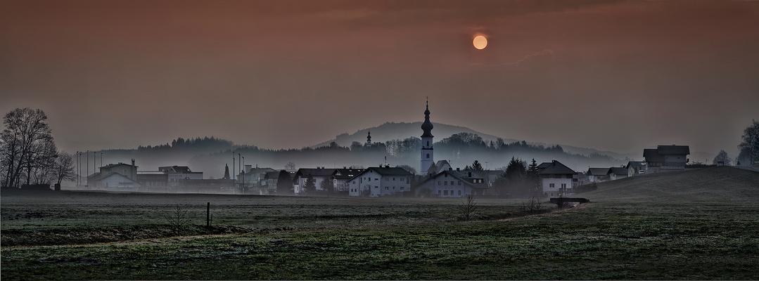 Köstendorf im Nebelmeer
