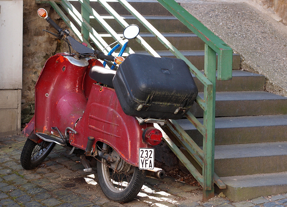 Koffer mit Moped