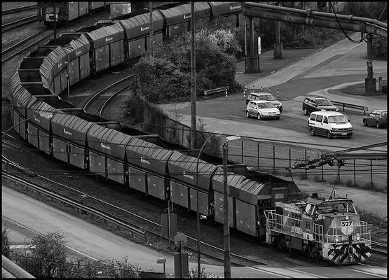 Kohlezug in einem Duisburger Stahlwerk