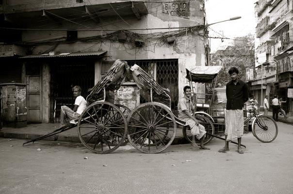 Kolkata street - risciò walla