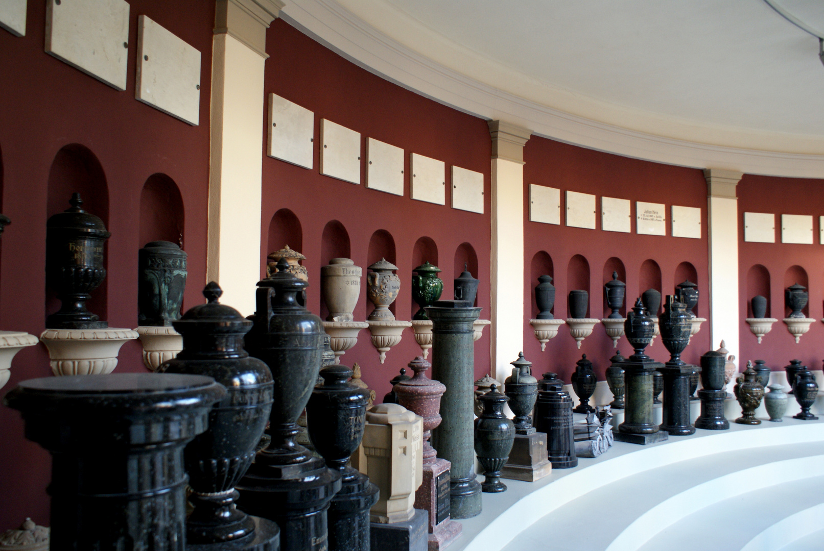 Kolumbarium des ältesten Krematoriums Deutschlands
