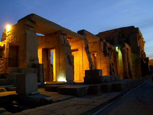 Kom Ombo Tempel aus einer anderen Sicht