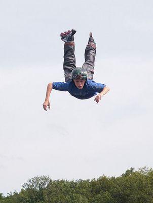 .. kommt ein Skater geflogen ..