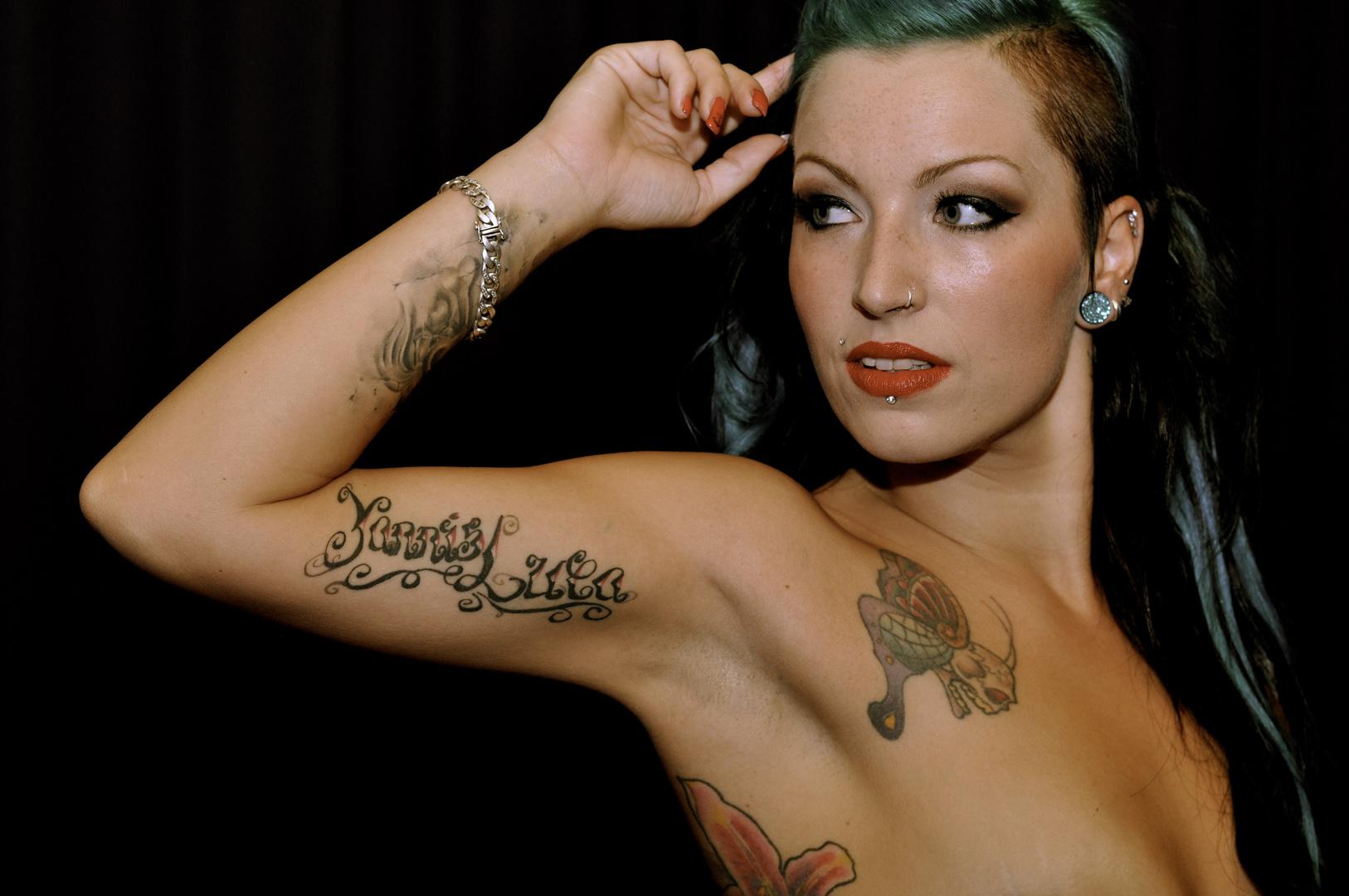 Konfrontation mit Tattoos
