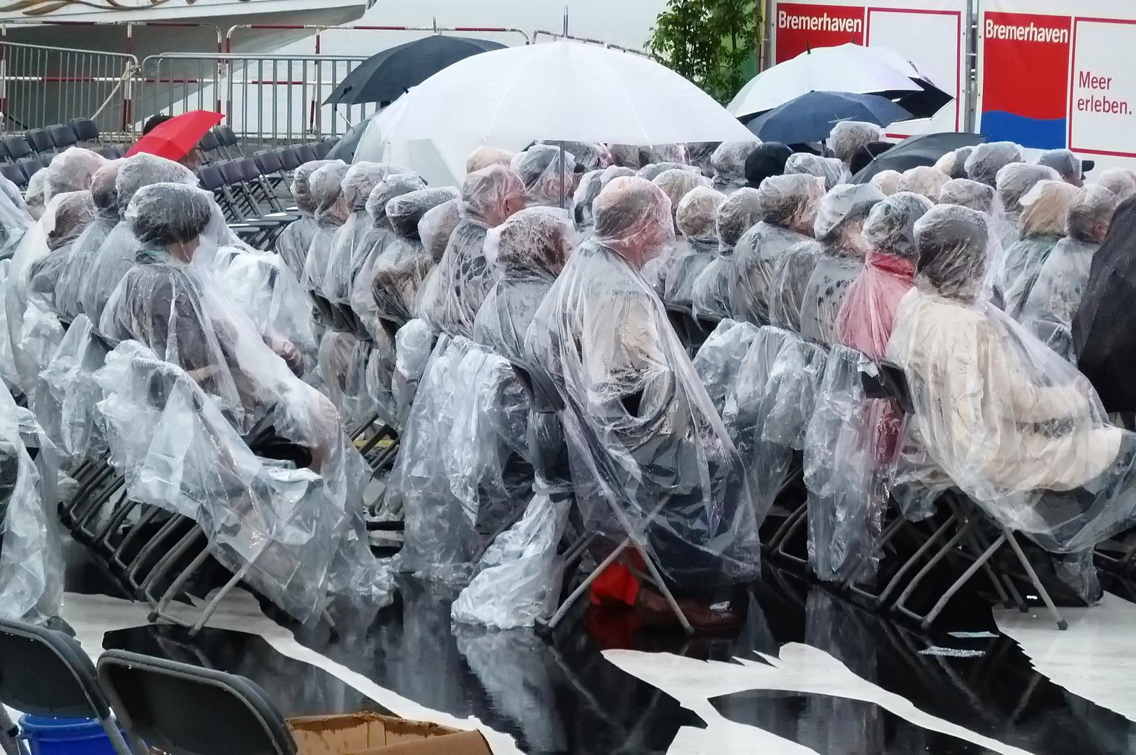 Konzert im Regen erleben