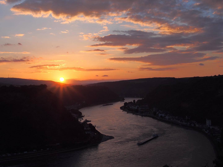 Konzert & Sonne am Rhein