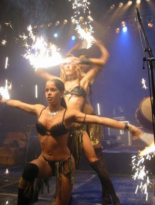 Konzetration Frauen und Feuer