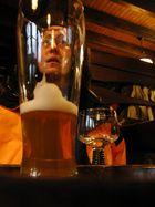 Kopf hinter Glas