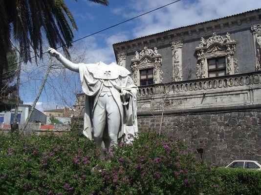 Kopflos in Catania