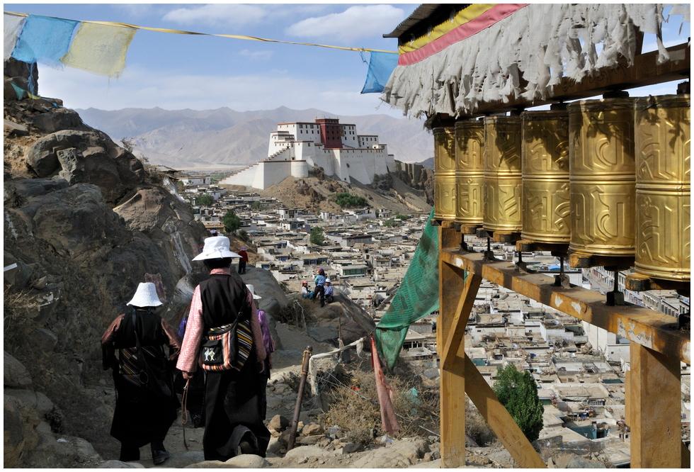 Kora um das Tashilhünpo-Kloster in Shigatse von Wolfgangs Reisebilder