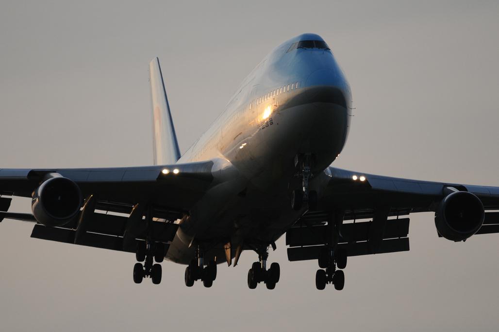 Korean Air 747-400 1