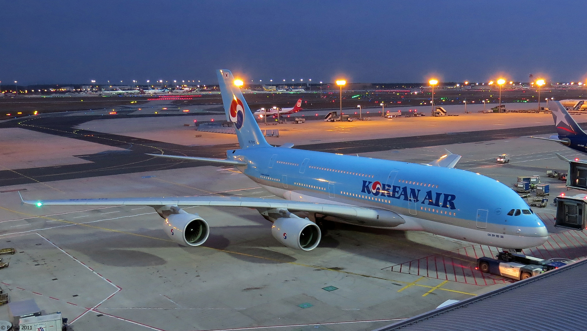 Korean Air - A380-861, HL7615