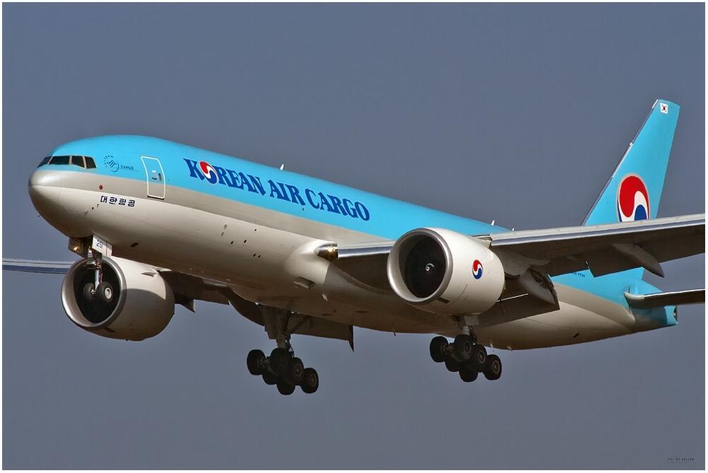 Korean Air Cargo Boeing 777-FB5 (HL8251)
