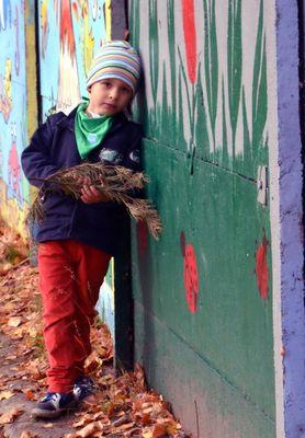 Kornel an der Mauer